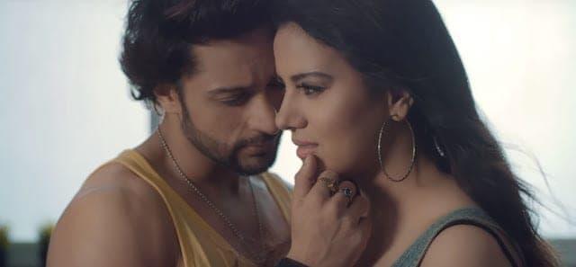Tujhe Paane Ko Lyrics - Jubin Nautiyal and Neeti Mohan
